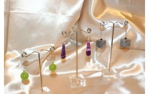 orecchini un argento e giada coreana (verde),agata striata (porpora),corno sabbiato (grigio)